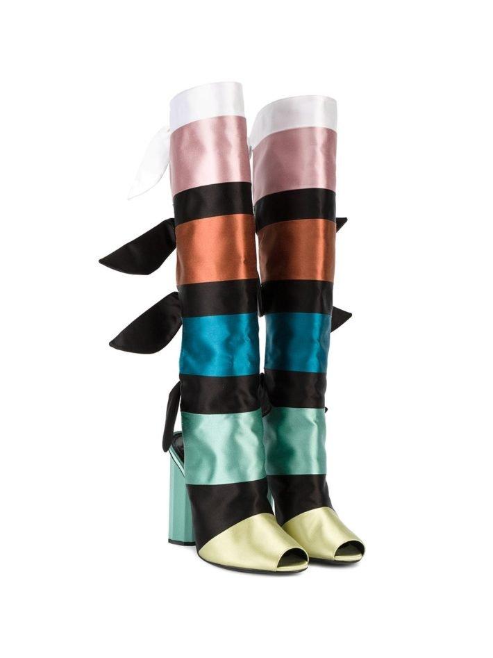модные сапоги цветные