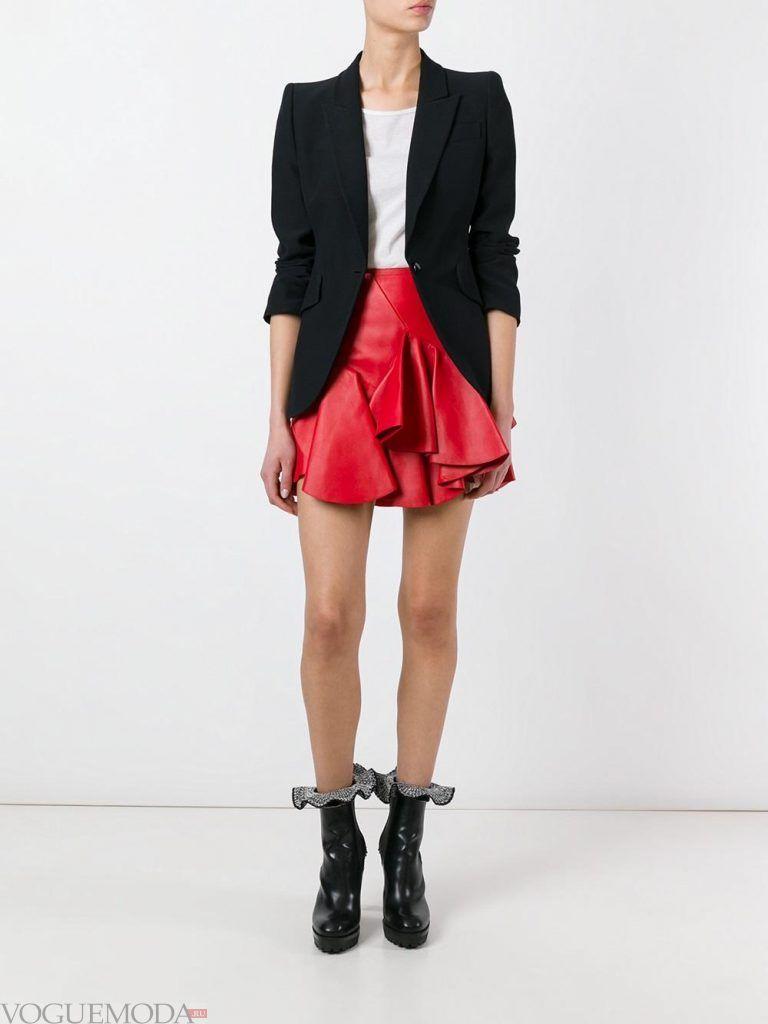 мини юбка красная