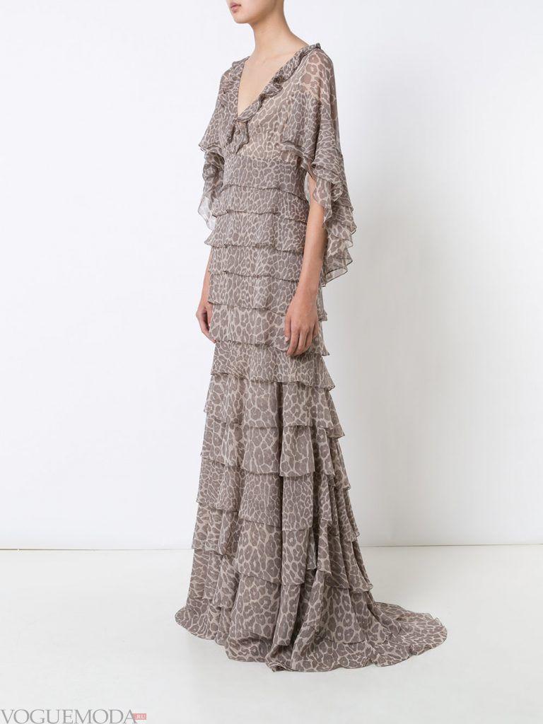 вечернее платье со шлейфом и принтом