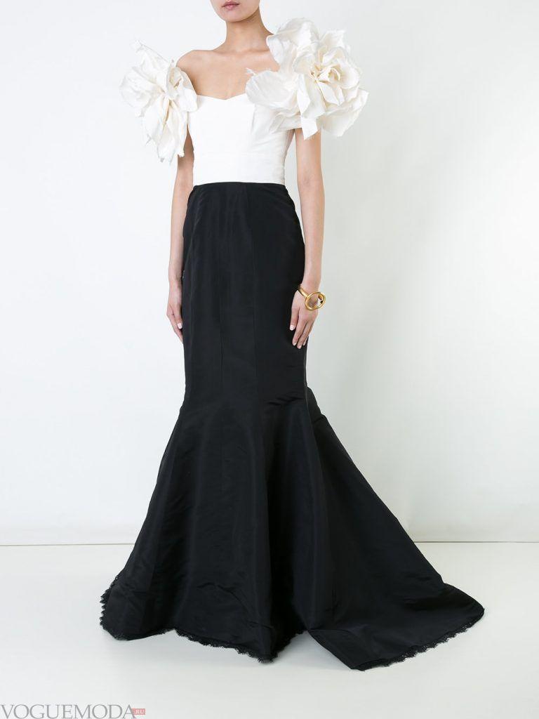 вечернее платье со шлейфом и декором
