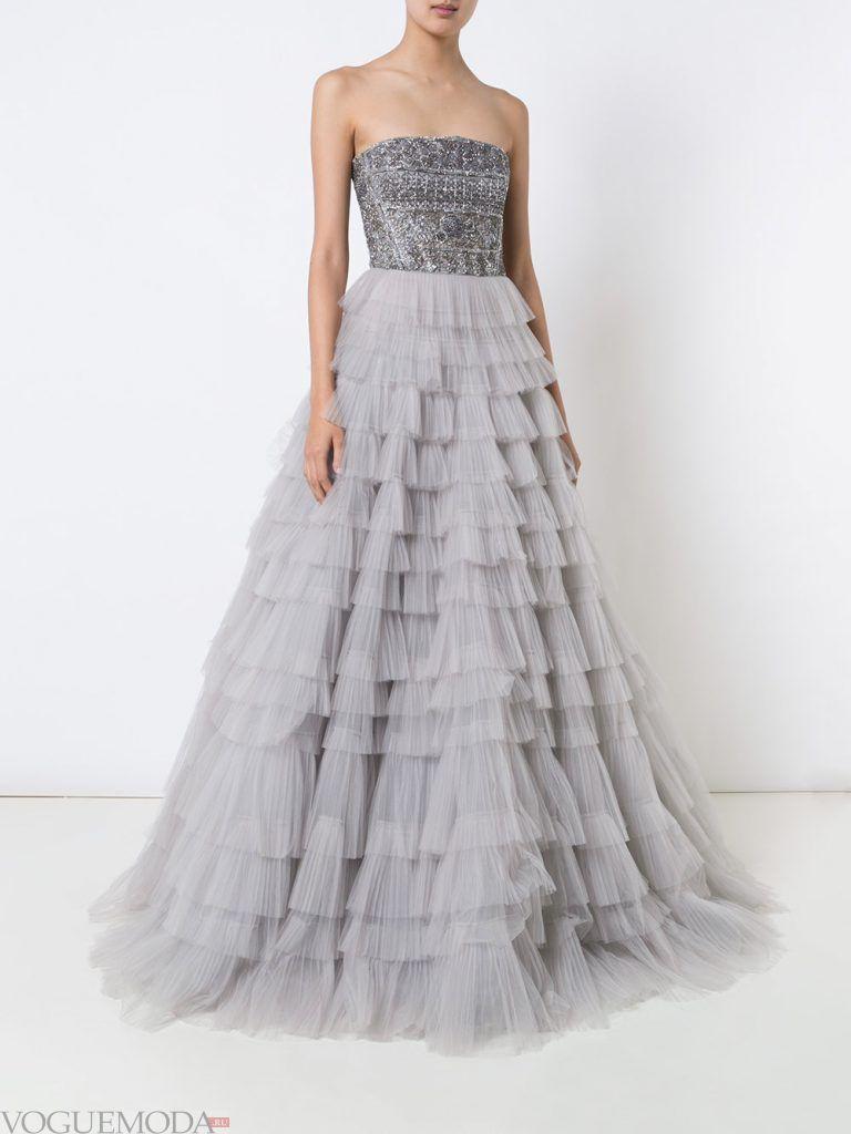 вечернее платье без бретелей многослойное