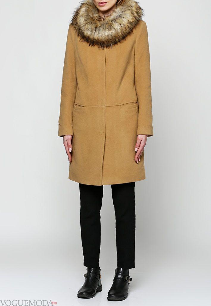 пальто с мехом беж