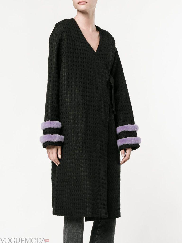 пальто «оверсайз» с декором