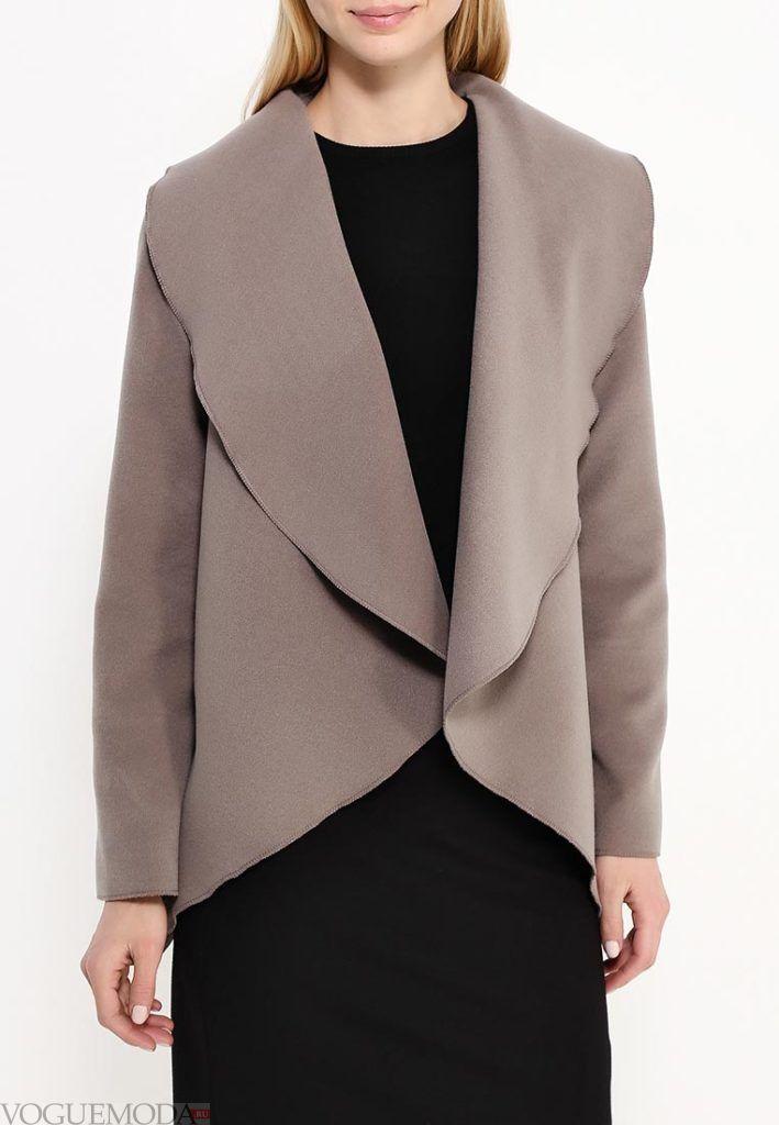 короткое пальто с отворотом