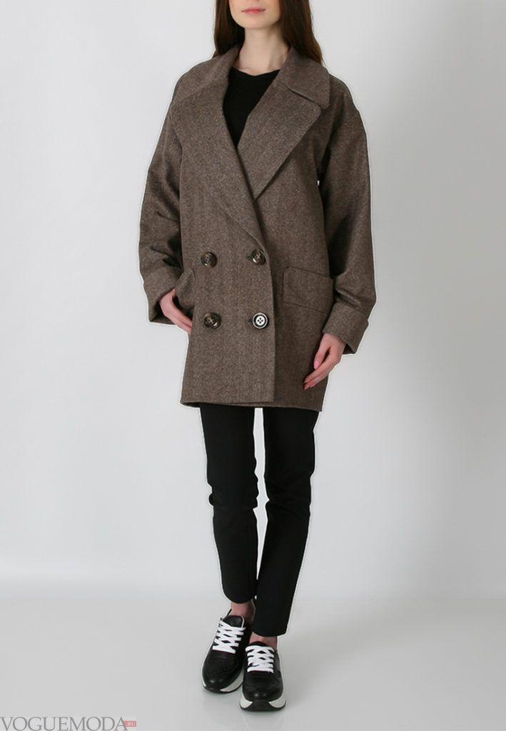 короткое пальто с пуговицами