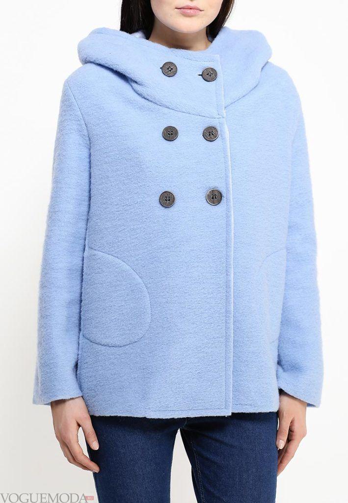 короткое пальто голубое