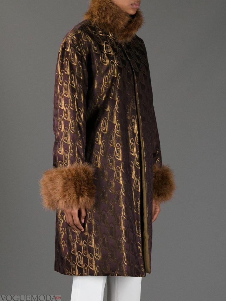 пальто с мехом и принтом