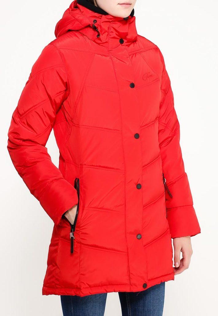 Модные пуховики осень зима: красный