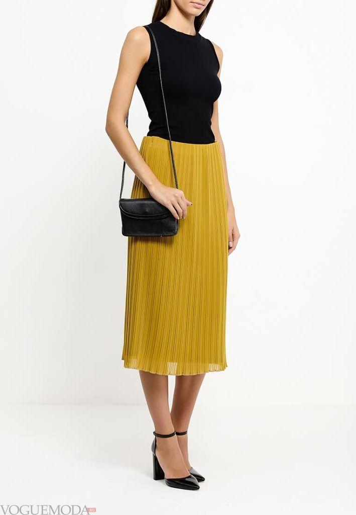 модная юбка яркая