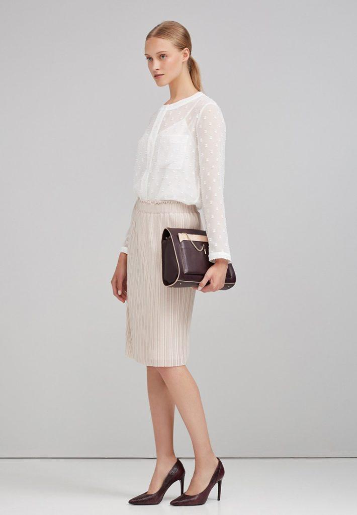 модная блуза светлая