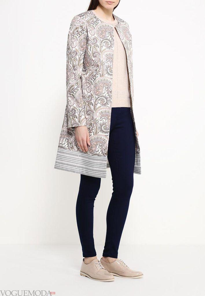 модное пальто с орнаментом
