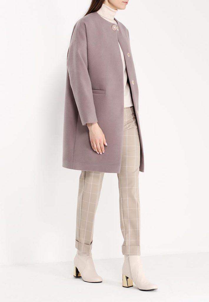 модное пальто нюдовое