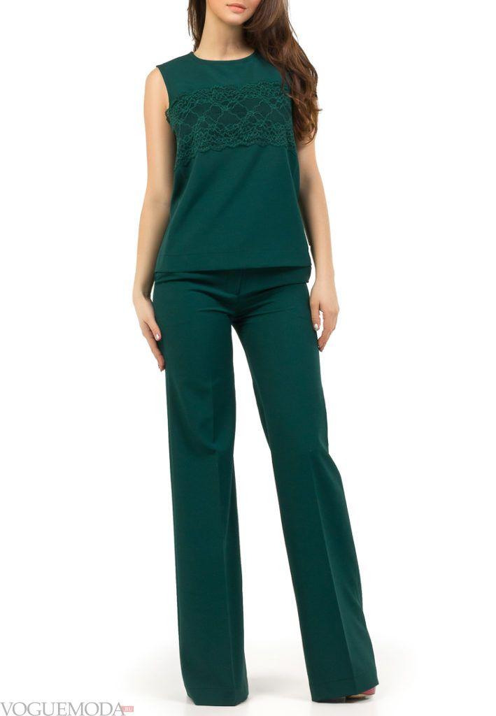 брючный костюм зеленый