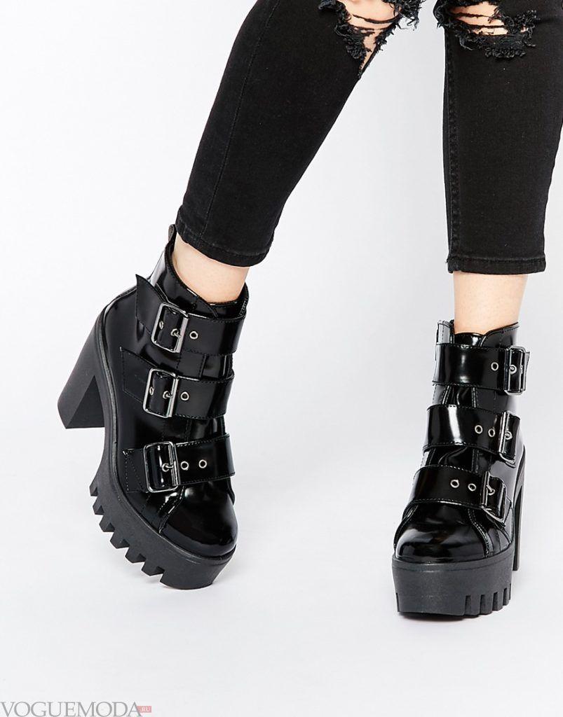 ботинки на тракторной подошве с ремешками