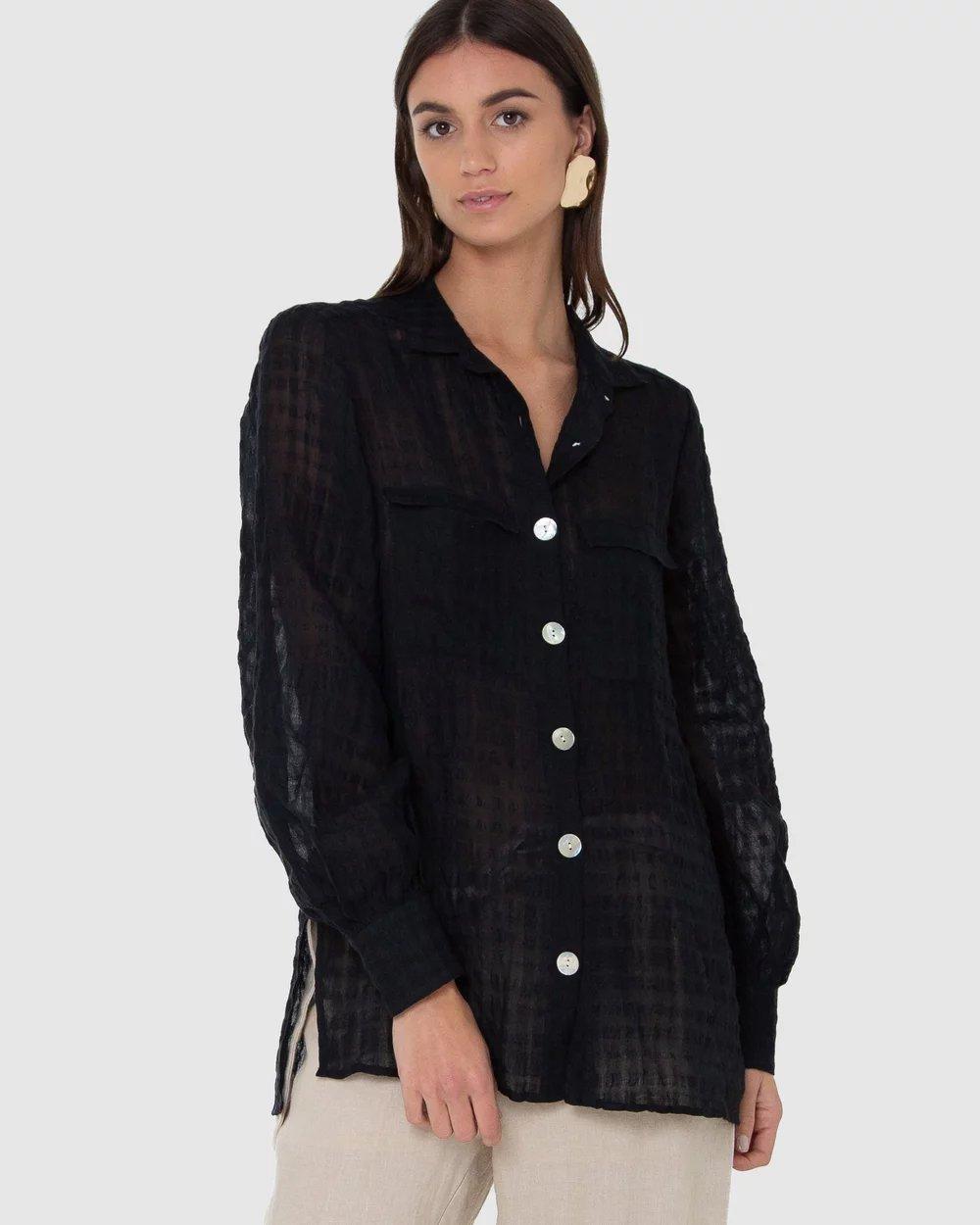 86b81de3b04 Стильные женские рубашки 2019 2020 года  модные тенденции фото