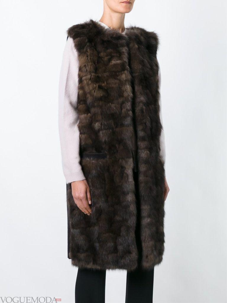 модные шубы: меховая жилетка коричневая