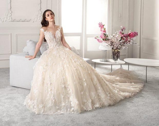 пышное ажурное платье очень длинное