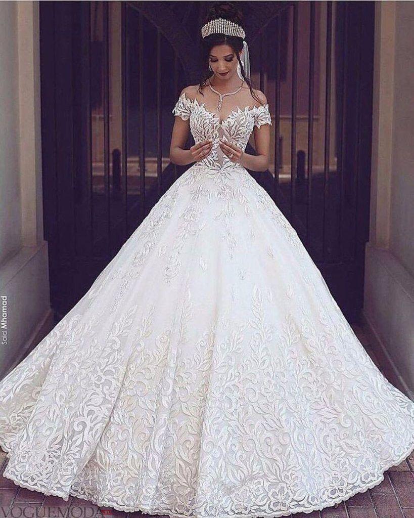свадебное платье с орнаментом
