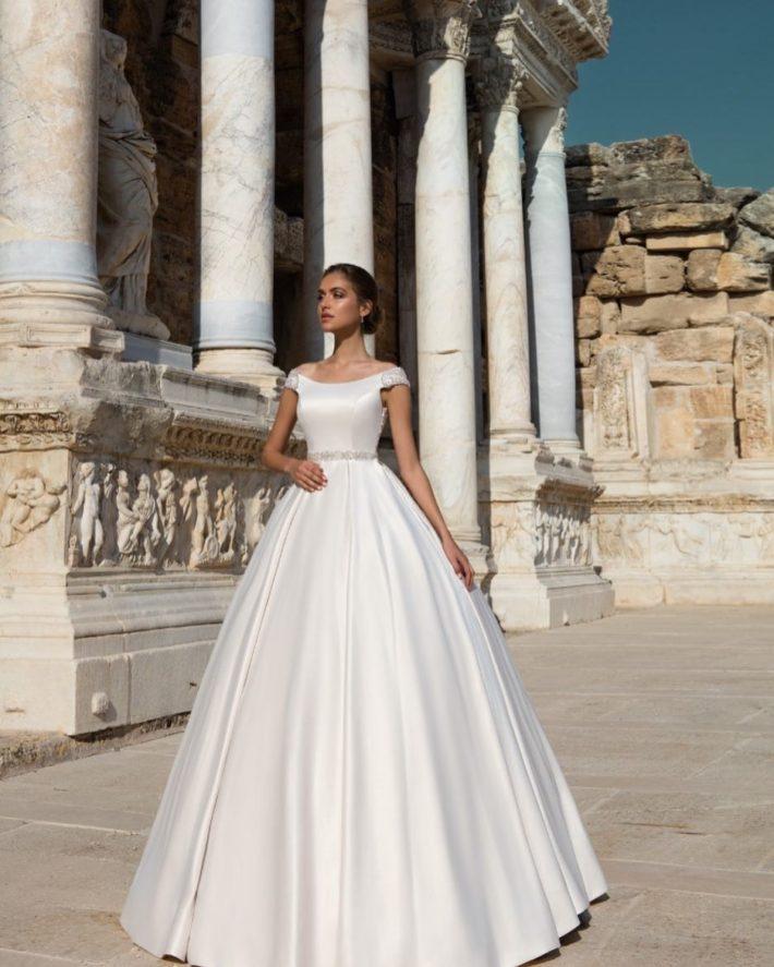 свадебные платья: из атласа