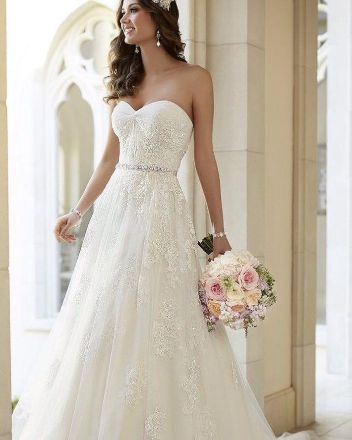 свадебные платья: бюстье с поясом