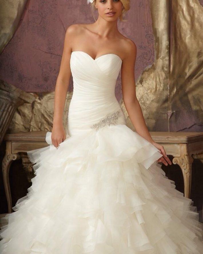 свадебные платья: бюстье многослойное
