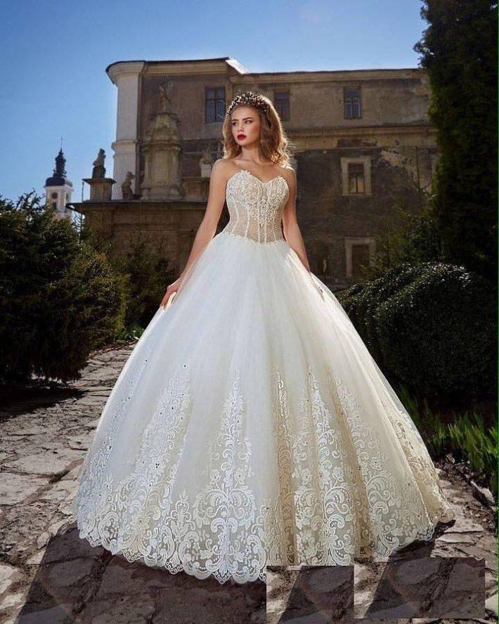 свадебные платья: бюстье с корсетом