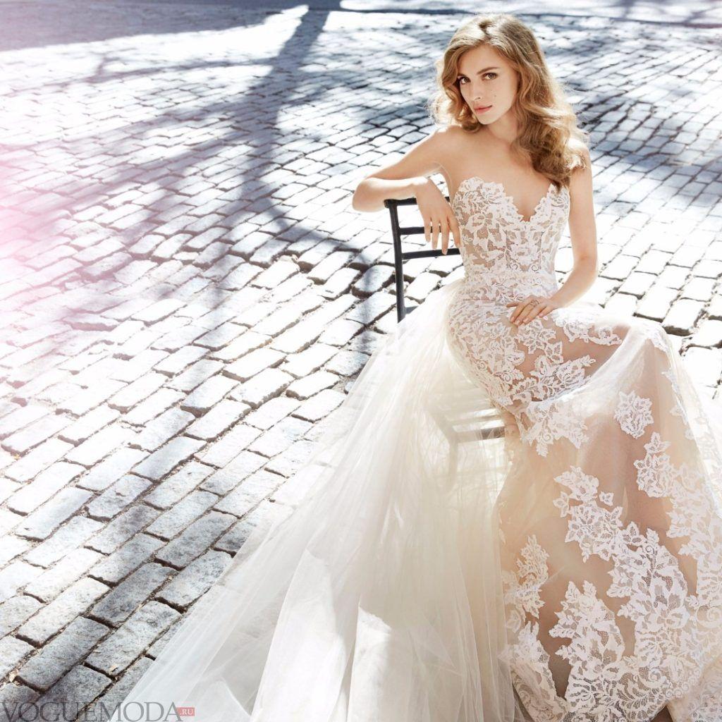 свадебное платье бюстье с кружевами