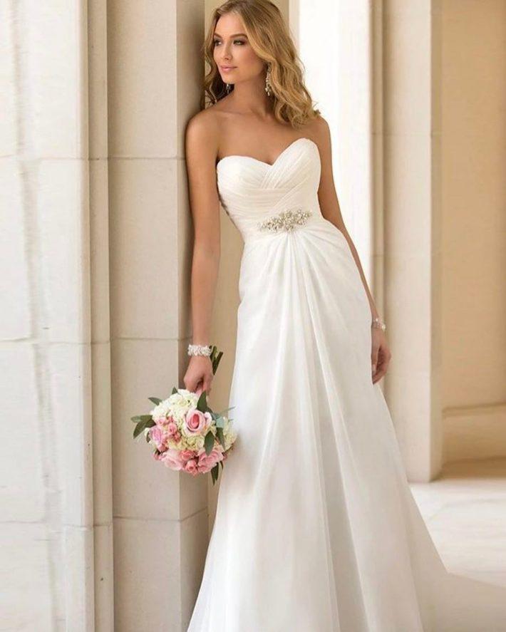 свадебные платья: бюстье с декором