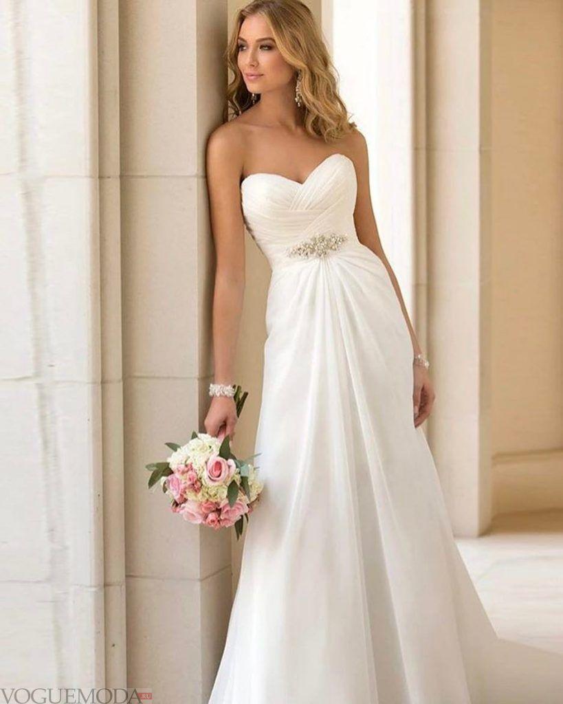 свадебное платье бюстье с декором