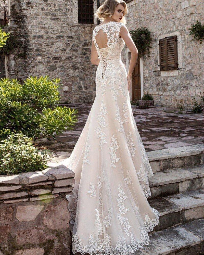 свадебное платье со шлейфом кружево
