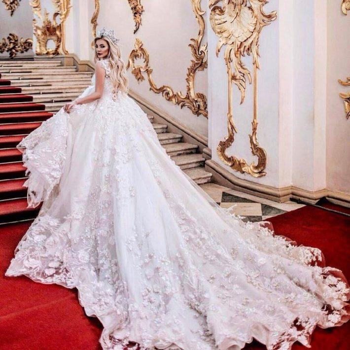 свадебные платья: с длинным шлейфом