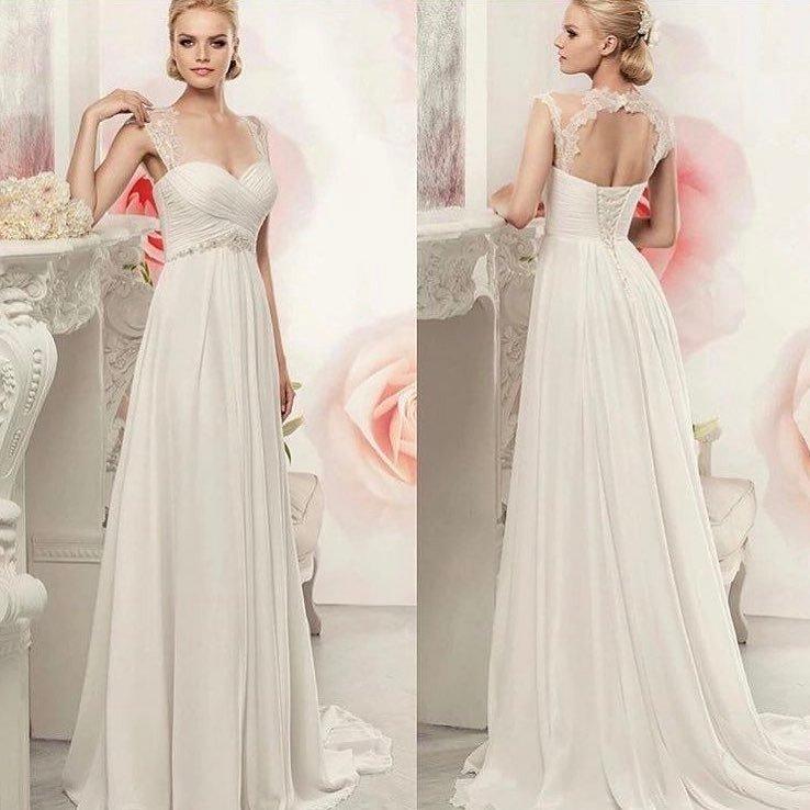 свадебное платье со шлейфом с переплетом