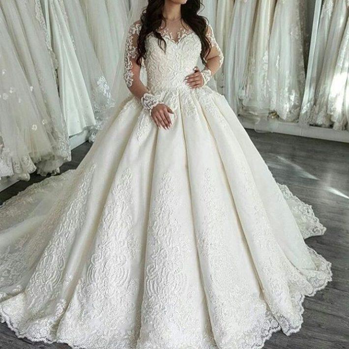 свадебные платья: со шлейфом пышное
