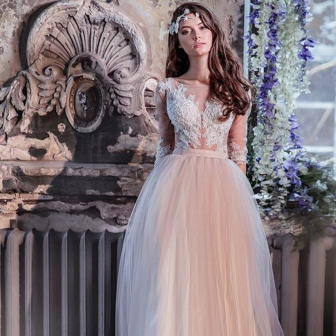 свадебное платье с цветным низом