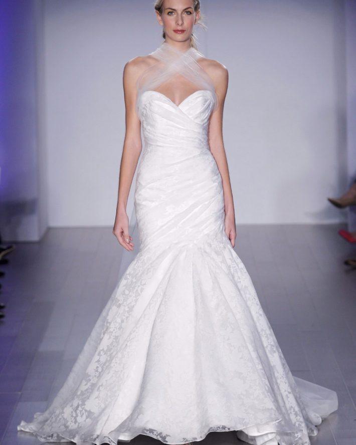 свадебные платья: с переплетом