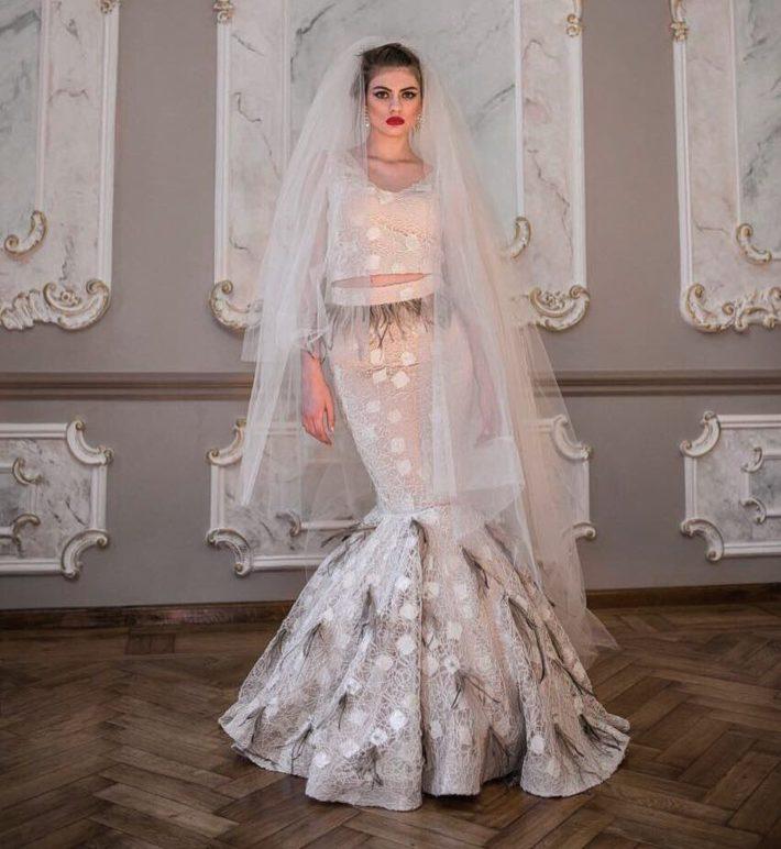 свадебные платья: с перьями
