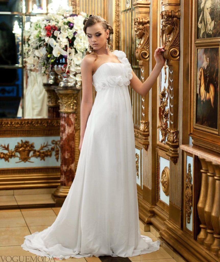 свадебное платье в греческом стиле со шлейфом