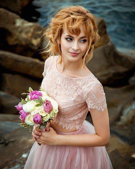 свадебное платье кружевное розовое