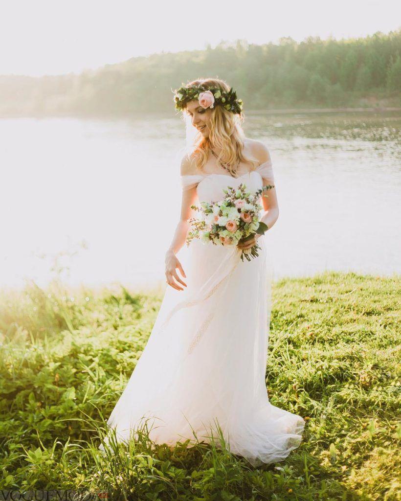 свадебное платье с открытыми плечами белое