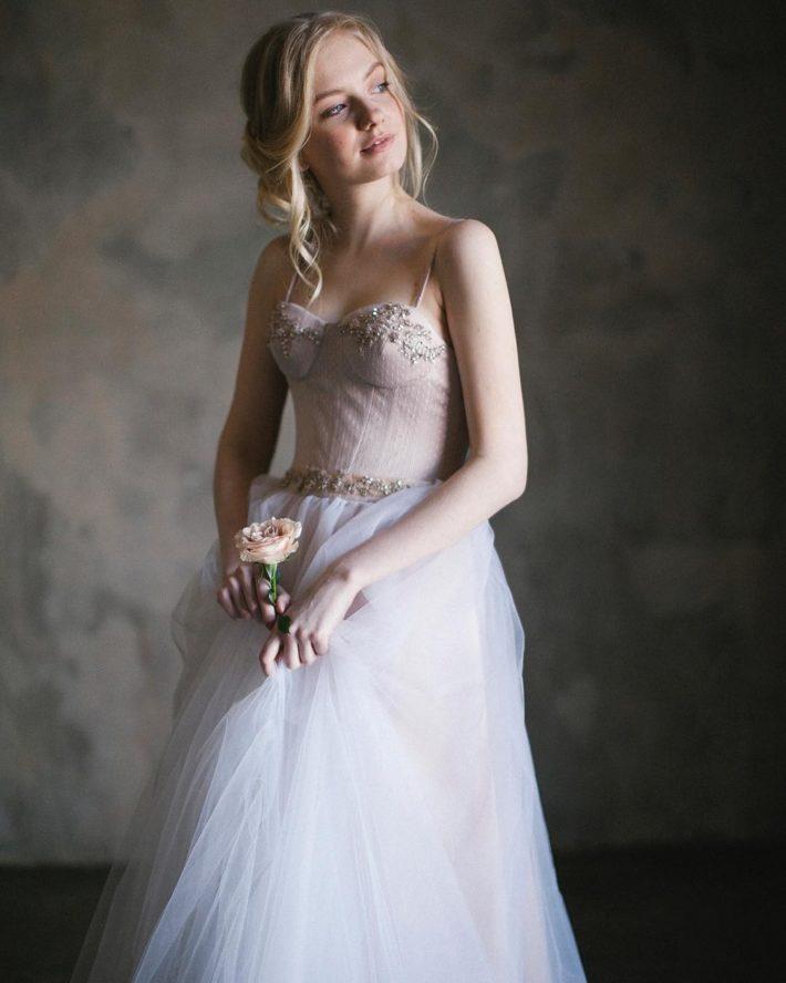 свадебное платье с цветным верхом