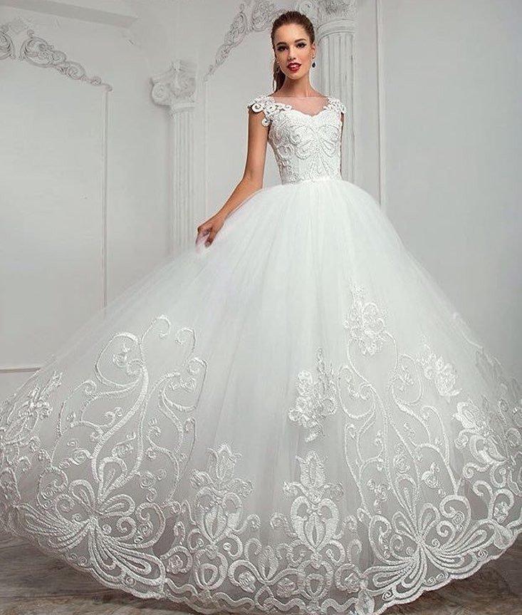 фото свадебных платьев: принцесса кружево