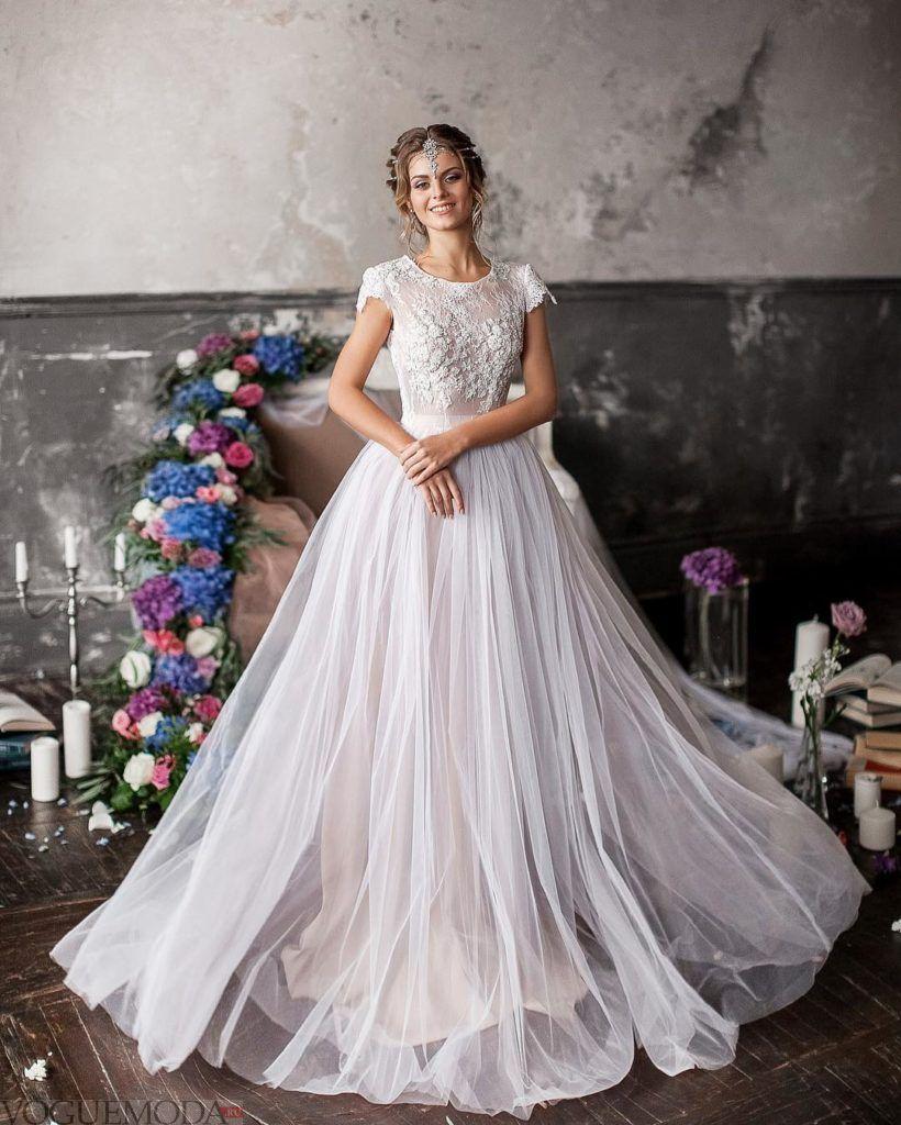 свадебное платье принцесса с кружевным верхом