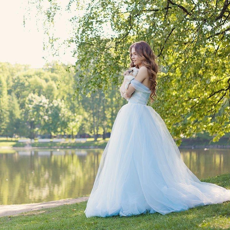 свадебное платье принцесса синее