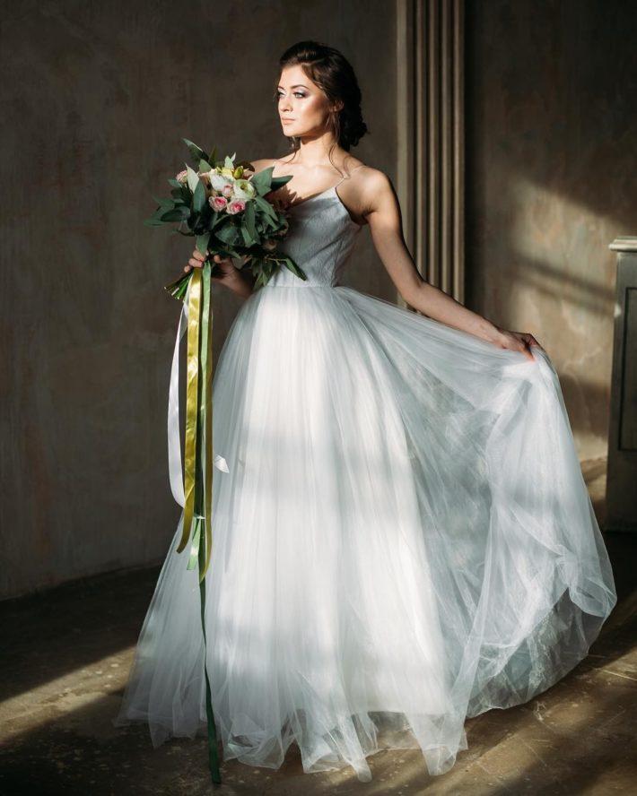 свадебное платье белое на тонких лямках