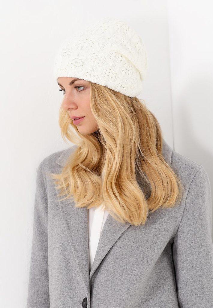 шапка белая