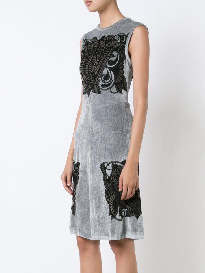 Тренды осень зима 2021 2022: платье с кружевом