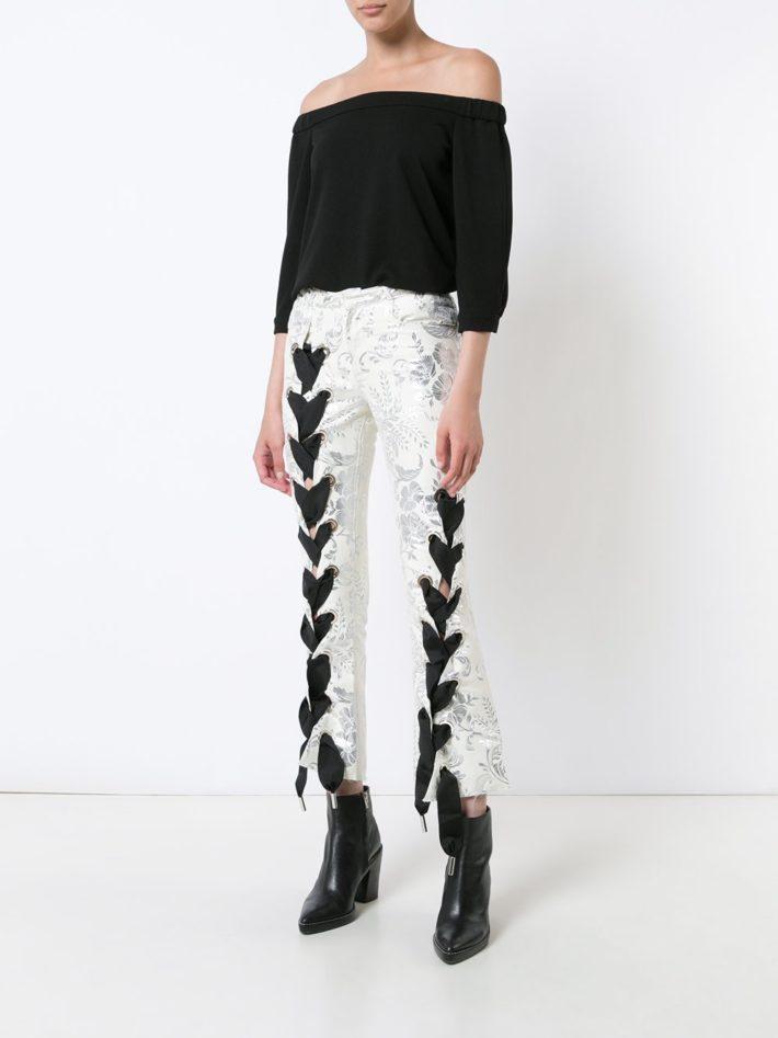 Тренды осень зима 2021 2022: лук с брюками