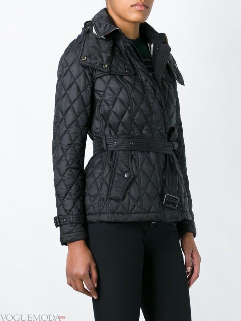 модная стеганая куртка черная