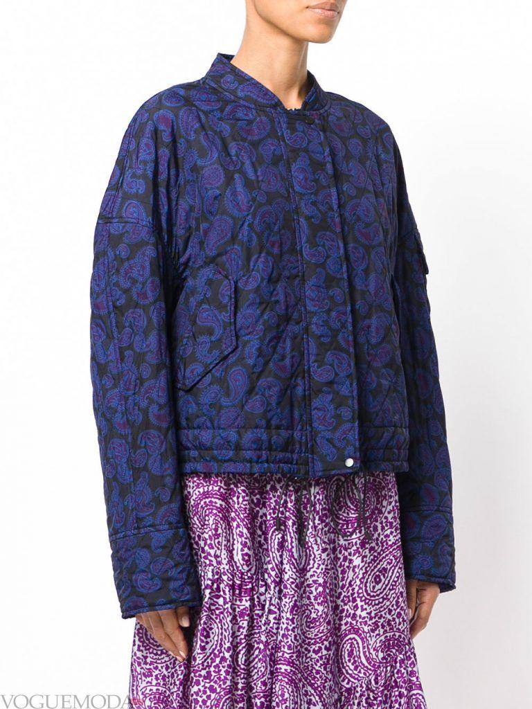 модная стеганая куртка с принтом