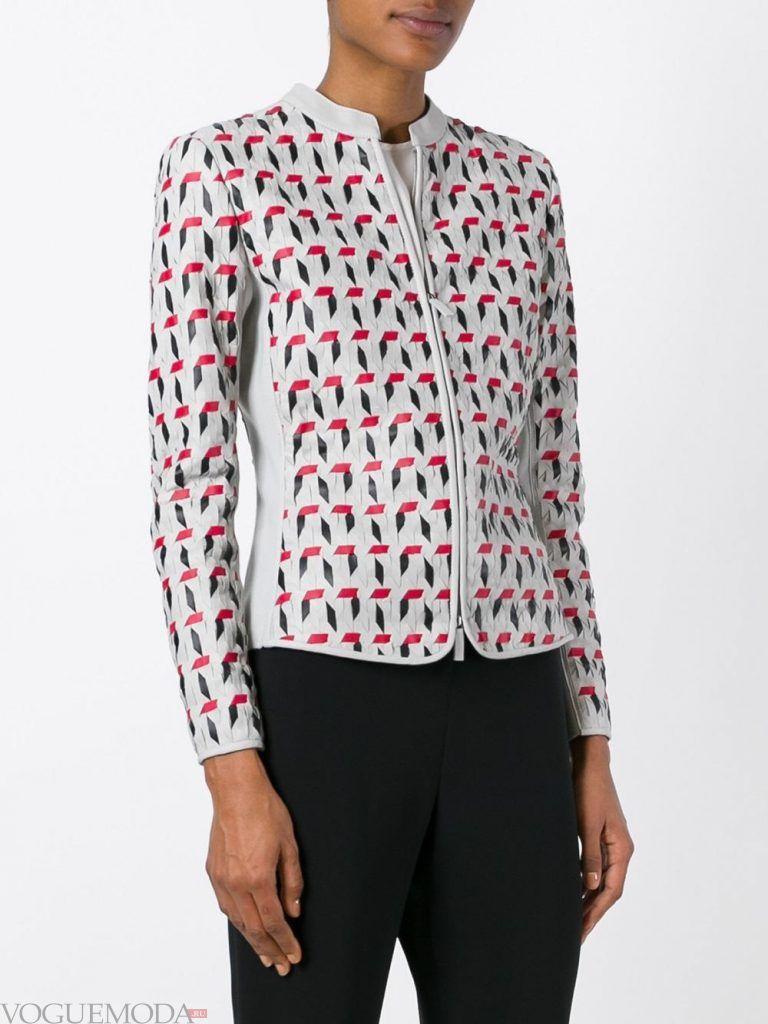 модная кожаная куртка с принтом